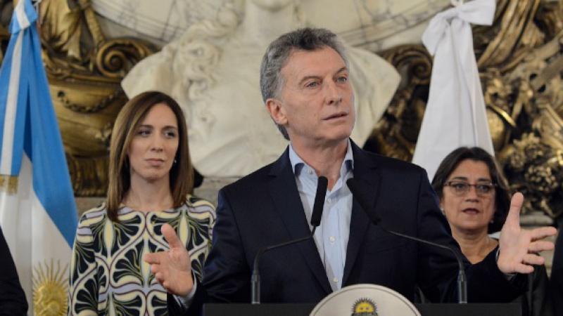 Macri quiere mandar a 600 argentinos a la luna